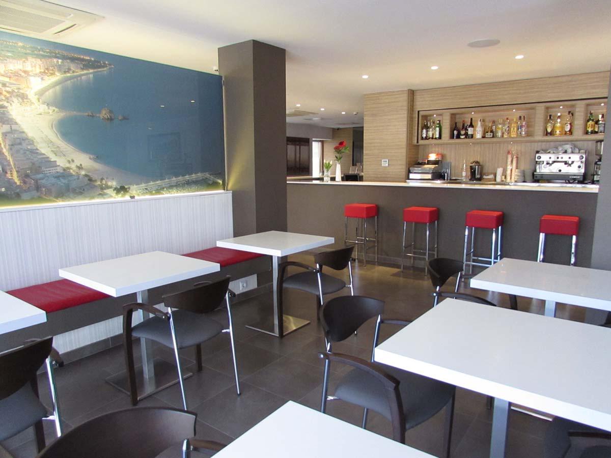 Recepción-Bar del Hotel Petit Palau, Hotel en Blanes (Costa Brava)