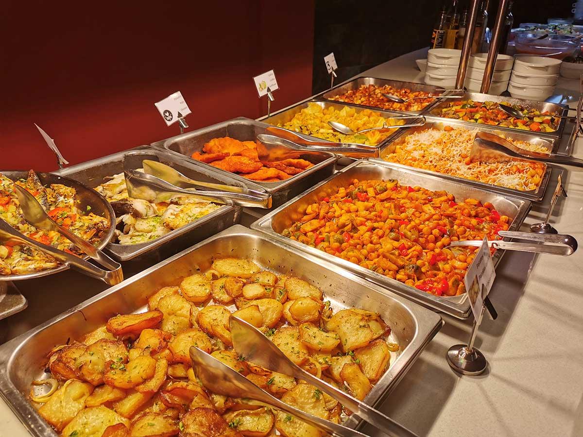 Servicios: En el Hotel Petit Palau disponemos de servicio de buffet