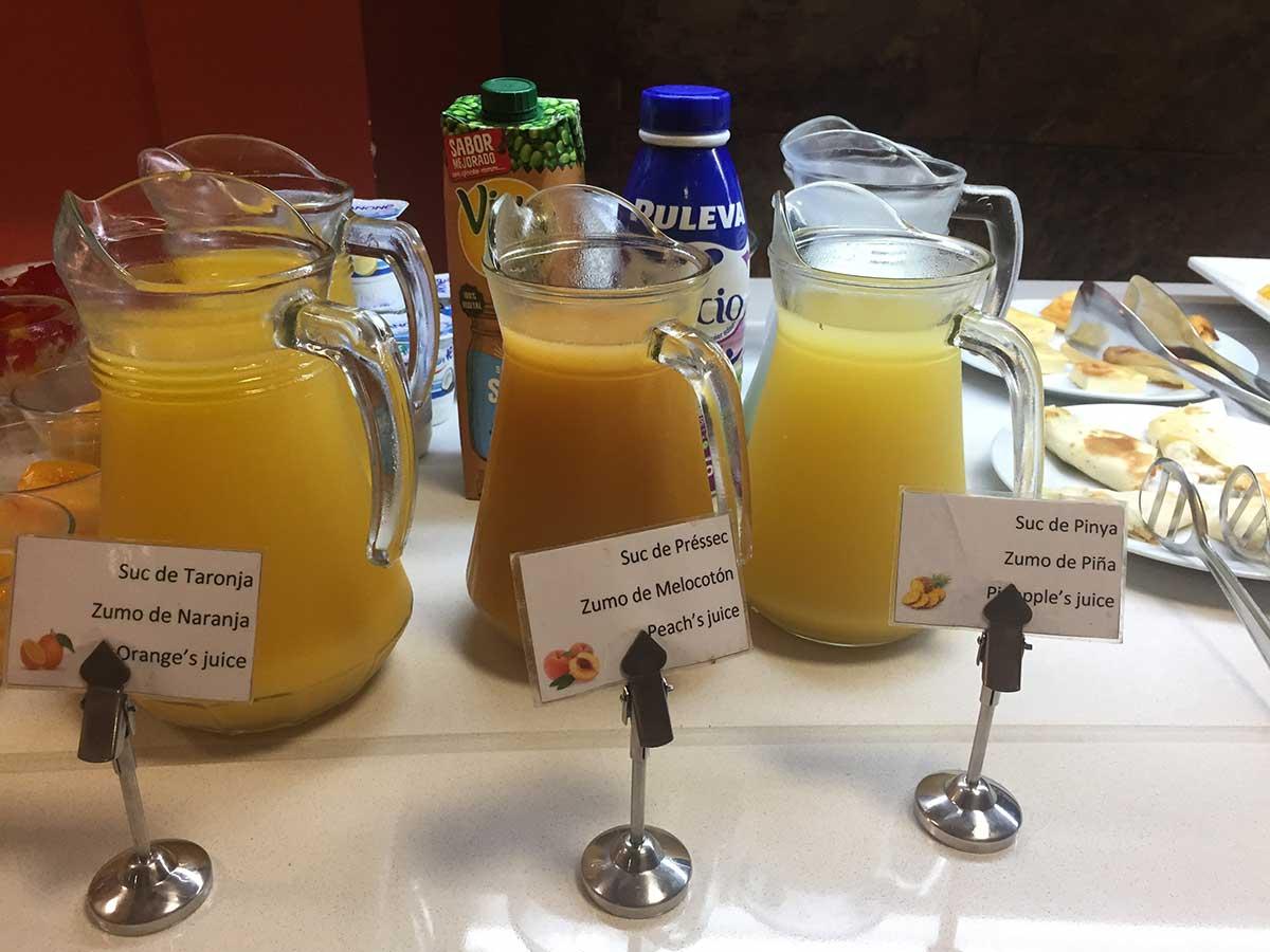 Servicios: En el Hotel Petit Palau ofrecemos servicio de desayuno