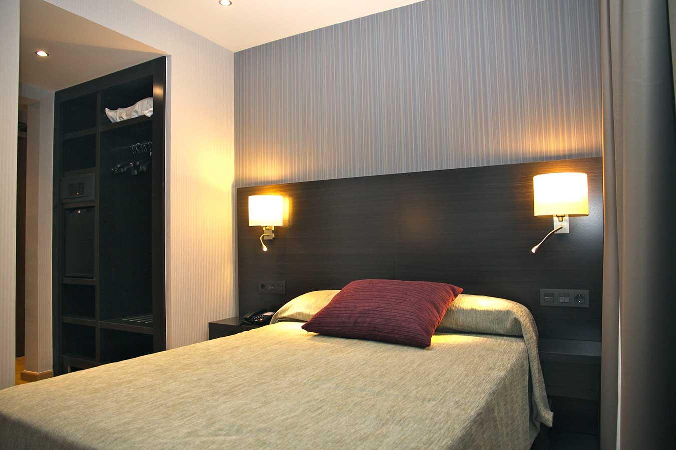 Habitación Doble Uso Individual para 1 o 2 personas con 1 cama de 200 x 135 cm