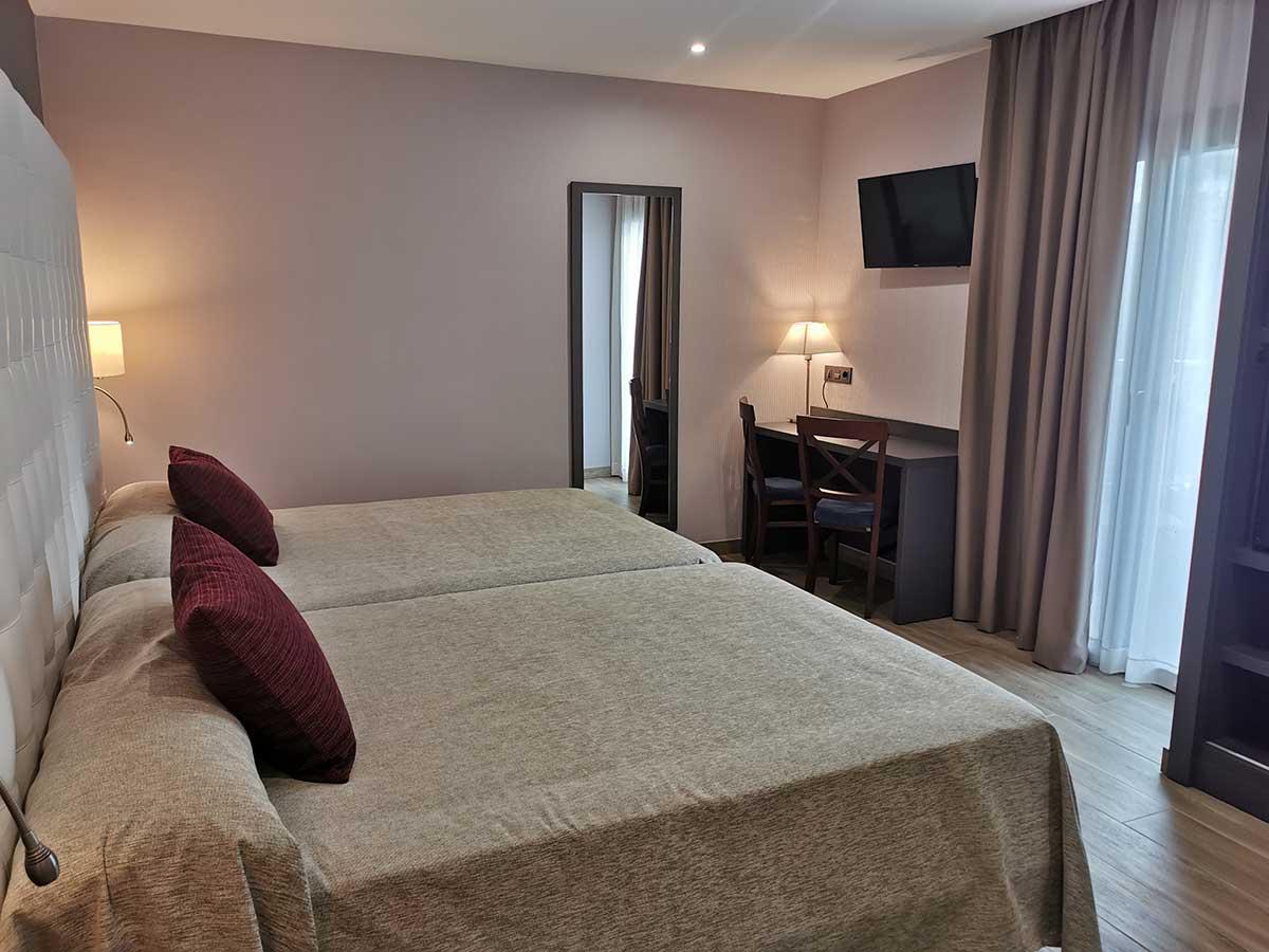 Habitación  Superior hasta 4 personas con 2 camas de 200 x 135 cm