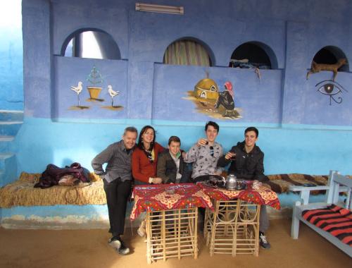 Los inicios: Fotografía de los actuales propietarios Toni Marès y Esther Gelmà e hijos